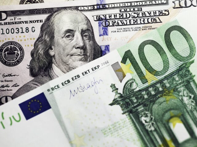EUR/USD: Euro Inches Lower on Increased Rates of Job Vacancies