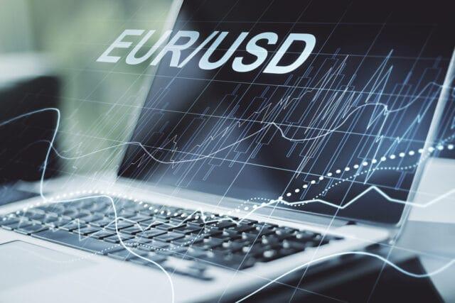 EUR/USD Bearish Sentiment Intact Ahead of US NFP Data