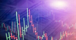 The Dollar Outlook: A Strong US Economy and COVID-19 Worries Support the Greenback